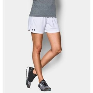 Womens White Under Armour Loose Shorts Med